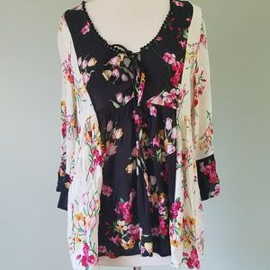 Suzanne Betro floral blouse nwt medium